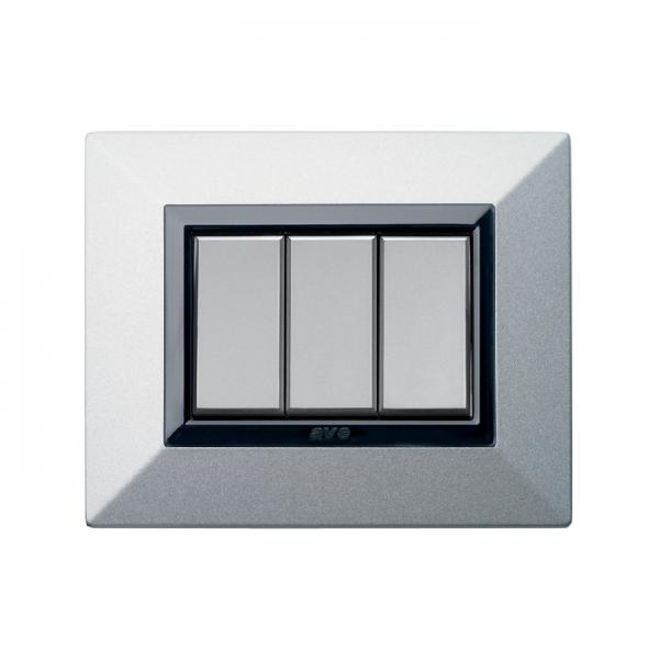 metalowa ramka włącznika do światła