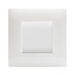 włącznik światła minimalistyczny biały