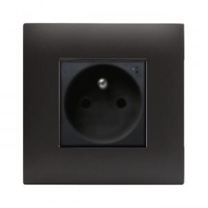 czarne matowe gniazdko elektryczne AVE
