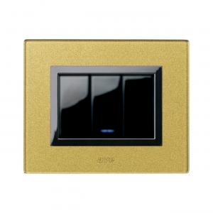 złoty włącznik światła designerski